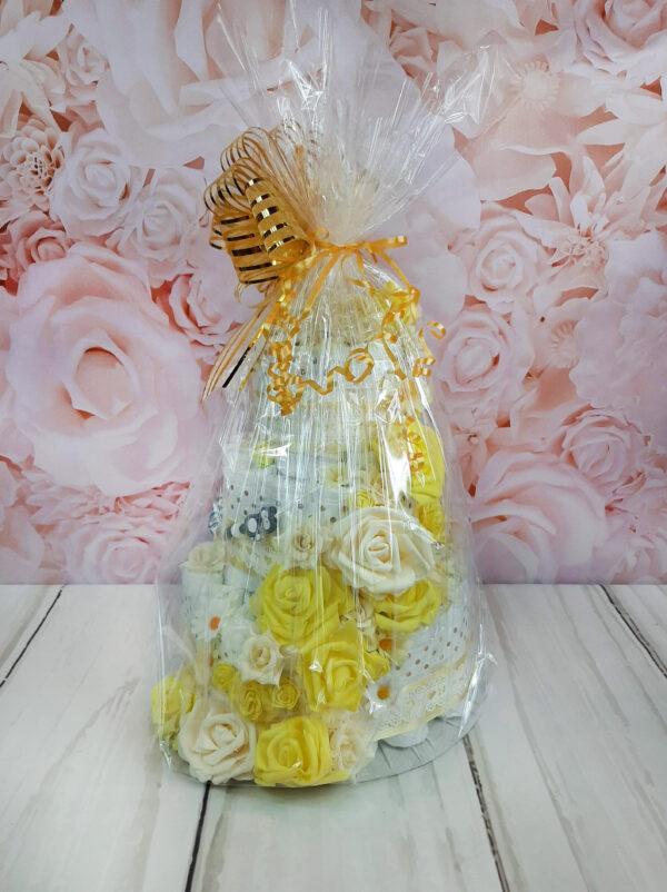 kollane mähkmetort lilledega 4